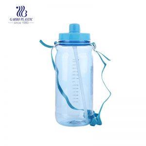 زجاجة مياه رياضية خفيفة الوزن خالية من مادة BPA خالية من الزجاجات البلاستيكية سعة 2 لتر