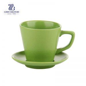 Раскрашенная вручную зеленая керамическая кружка и блюдце для чая, кофе и молока для домашнего использования