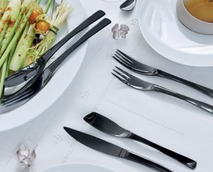 Does stainless steel cutlery rust?