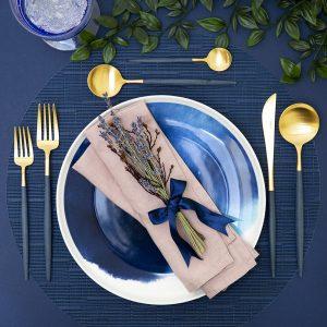 7 خطوات للاستخدام السليم لأدوات المائدة على مائدة الطعام الغربية