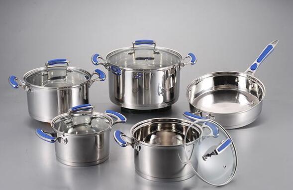 وعاء من الستانلس ستيل أو وعاء حديد سهل الاستخدام