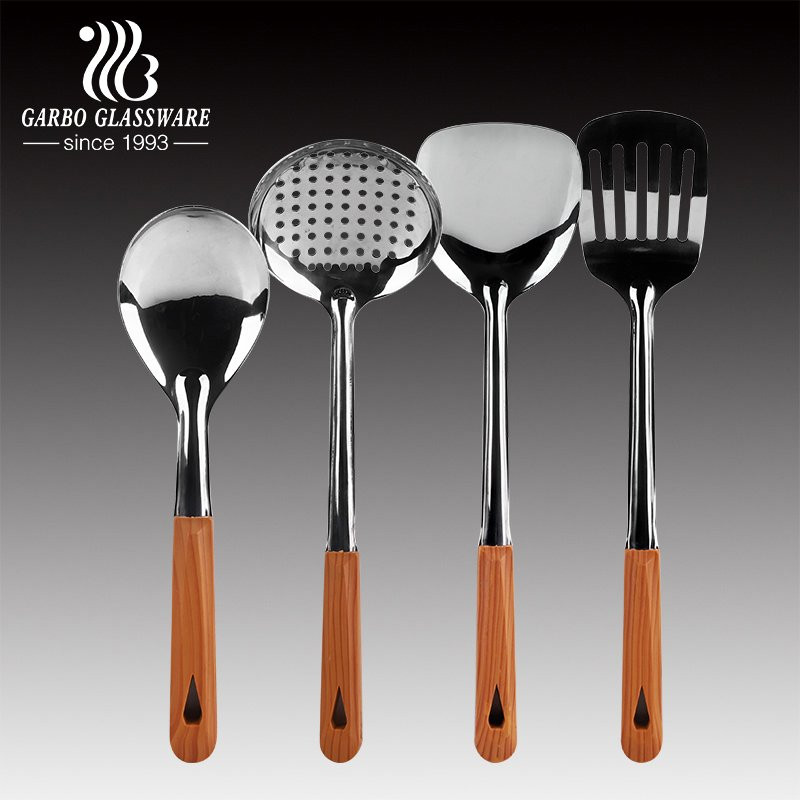 Silicone and Nylon Shovel, Which One You Prefer To?
