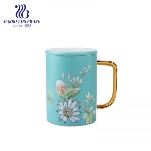 High end porcelain blue printing design mug with ceramic lid and gold handle china retailed ceramic water cup