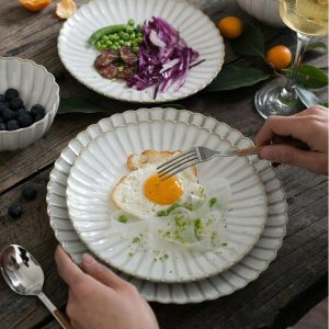 These creative ceramic dishes porcelain plates make people love it and hot selling