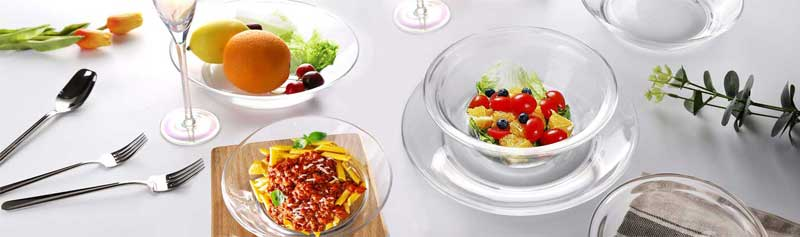 Can silicone tableware be heated in a microwave?