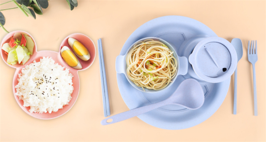 The tips for choosing plastic tableware for your baby