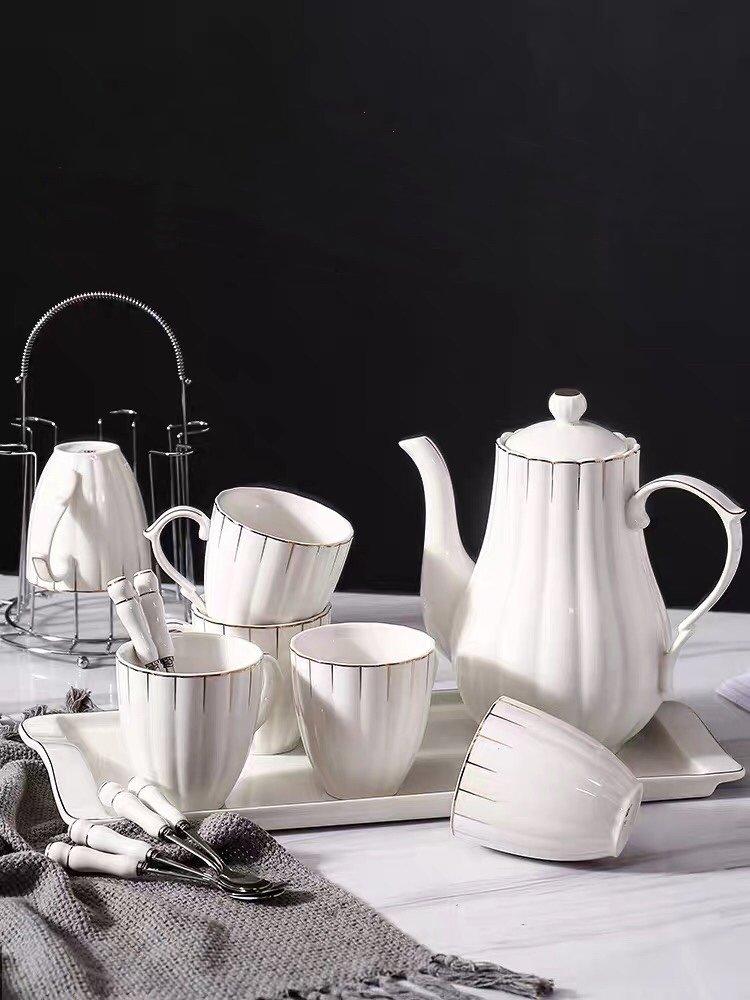Hot sale popular ceramic dinnerware such as ceramic bowl, dish,mug,pitcher and dinner set in each market.