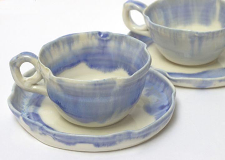 O copo de cerâmica da caneca promocional de porcelana para beber com vários designs impressos para todos os mercados