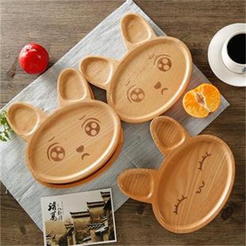 5 نصائح لاختيار أدوات المائدة المناسبة لطفلك