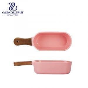 380ml pink underglaze colour porcelain baking pan with wooden handle