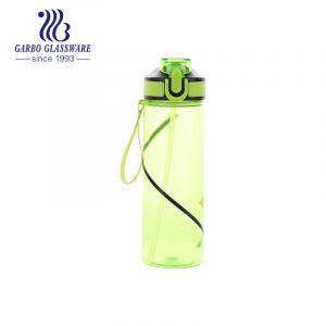 Качественная портативная пластиковая бутылка для воды зеленого цвета для пеших прогулок