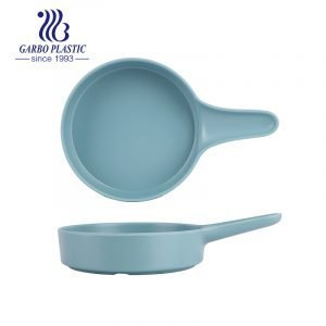 new design round shape strong plastic blue serving plates with simple handle can be used with snack, salad, fruit or meat both for indoor and outdoor