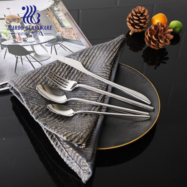 Customized high quality stainless steel cutlery flatware round handle dinner spoon