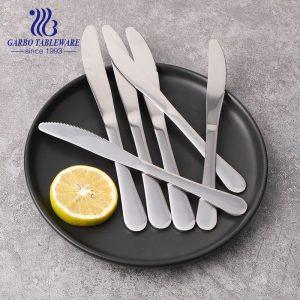 أدوات مائدة من الفولاذ المقاوم للصدأ صلبة للبيع بالجملة ، أواني أطباق حديثة مع مرآة مصقولة