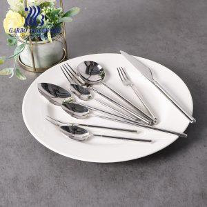 Garbo New Arrived Food Grade 304 Juego de cubiertos de acero inoxidable Cubiertos duraderos de alta gama para venta al por mayor