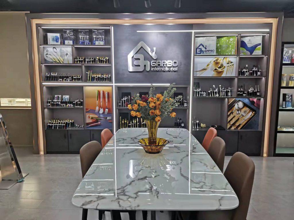 صالة عرض Garbo الجديدة لأدوات المائدة وأدوات المطبخ المصنوعة من الفولاذ المقاوم للصدأ بتصميم رائع