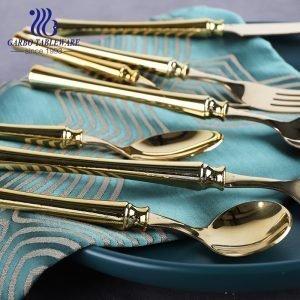 ABS مقبض بلاستيكي مطلي بالتيتانيوم الذهبي تصميم ملعقة عشاء أدوات مائدة من الفولاذ المقاوم للصدأ